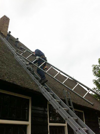 schoorsteen vegen alkmaar hoorn heerhugowaard rieten dak